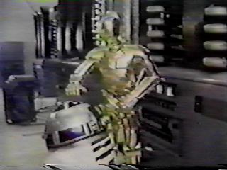 C3PO catching a naughty R2D2
